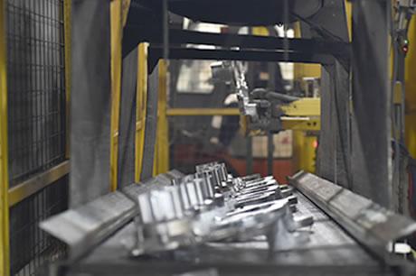 铝合金压铸件制造工艺-压铸件传送