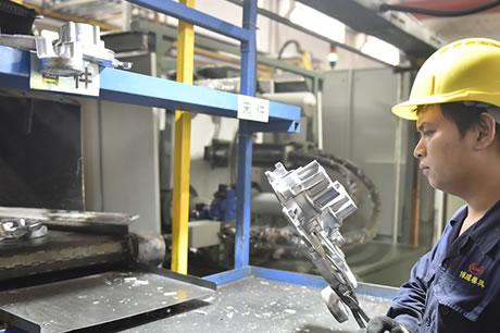 铝合金压铸件生产工艺-压铸件巡检