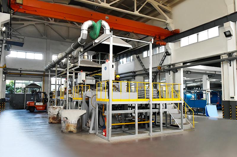 压铸件加工厂-集中融化炉