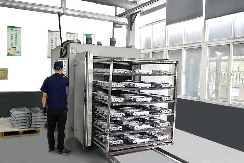 压铸铝表面处理-高温时效机