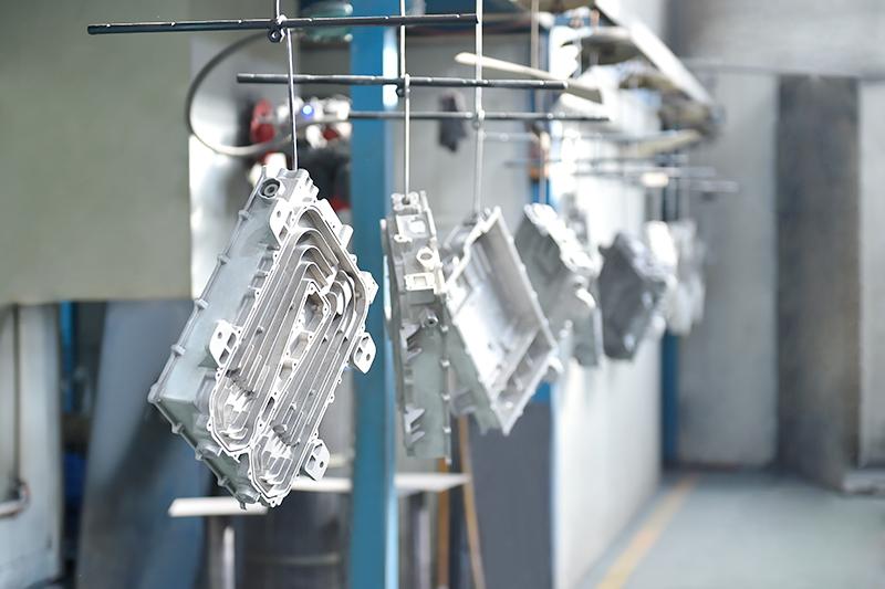铝合金压铸件表面处理-喷涂线