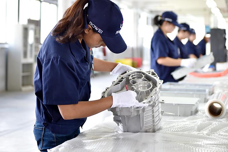 铝压铸件加工厂-压铸铝件全检二线