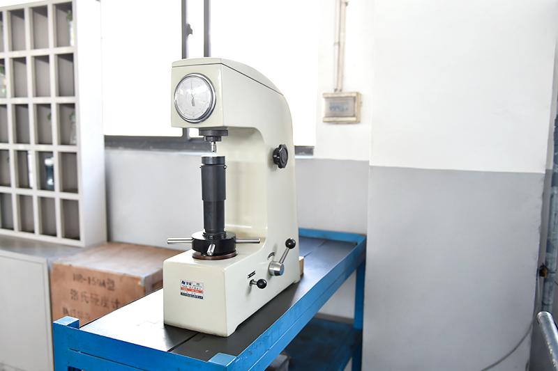 铝压铸件-洛氏硬度计
