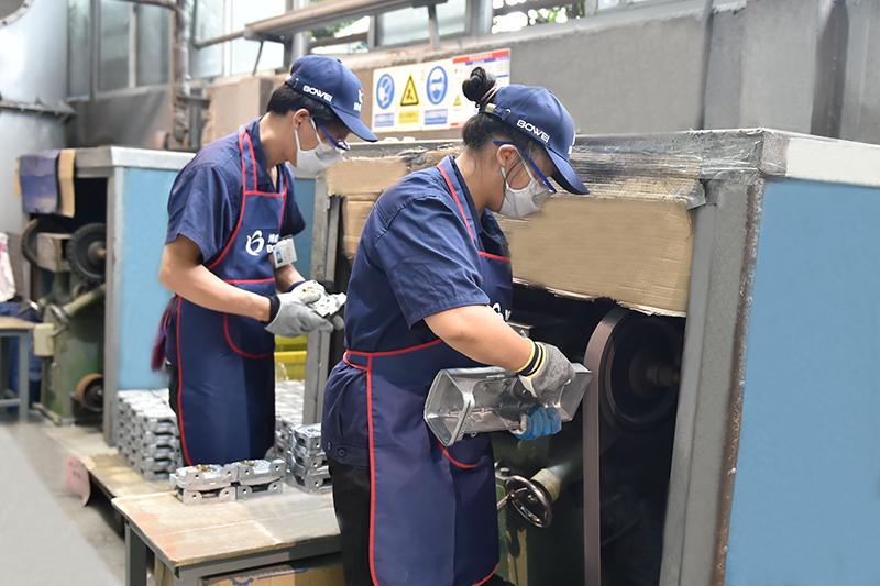 铝合金压铸铝表面处理-拉砂