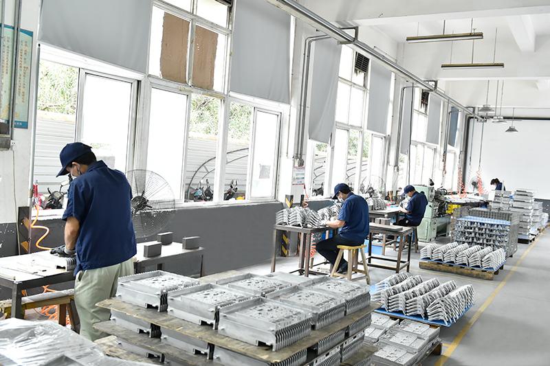 铝合金压铸件的生产工艺-整平